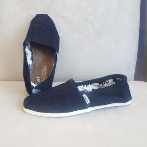 Toms  Shoes.  Size 6.5?